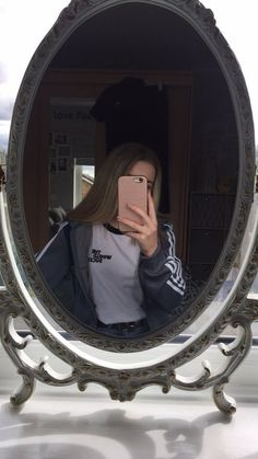 Image about girl in aMirror selfie 📷 by Wxter_melon – Spiegel Girls Mirror, Mirror Pic, Mirror Selfies, Selfie Poses, Photo Instagram, Instagram Story, Girl Pictures, Girl Photos, Tmblr Girl