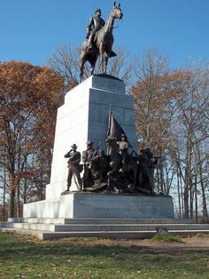 Virginia Monument with Gen. Robert E. Lee on Traveller - Gettysburg We must save and not destroy our Civil War monuments Confederate Statues, Confederate Monuments, Confederate States Of America, American Civil War, American History, Gettysburg Battlefield, Historical Monuments, Historical Sites, Southern Heritage