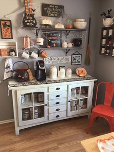 Coffee Bar Ideas - Looking for some coffee bar ideas? Here you'll find home coffee bar, DIY coffee bar, and kitchen coffee station. Casa Halloween, Halloween Home Decor, Fall Home Decor, Autumn Home, Halloween Design, Farmhouse Halloween, Halloween Ideas, Halloween Decorations Apartment, Happy Halloween