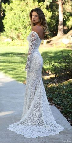 Fantastic 107 Best Long Sleeve Lace Wedding Dresses Inspirations https://bridalore.com/2017/12/30/107-best-long-sleeve-lace-wedding-dresses-inspirations/ #weddingdress