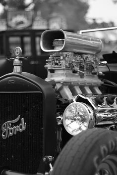 photo by jason andrea. If you know my artwork, you might notice that this is the engine I painted a while back .