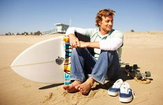 simon baker beach and surfing time | SImon-Baker-Beach-Photoshoot-simon-baker-5484146-889-575.jpg