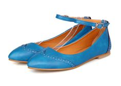 Sweet Women's Flat Shoes With Carving and Belt Design (BLUE,39) | Sammydress.com