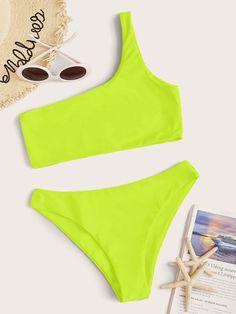 Neon Yellow One Shoulder Bikini Swimsuit Yellow Bikini, Black Swimsuit, Neon Yellow, Cute Swag Outfits, Girl Outfits, Neon Bikinis, Bikini Set, Bikini Swimsuit, One Shoulder Bikini