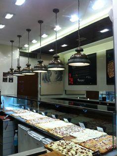 Pizzeria in Gran Via Madrid Spain - Lustrarte Escotilha
