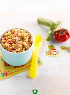 Tomatoes, zucchini, chicken with cream. An easy and balanced recipe of complete dish for children's lunch adapted from 18 months. Bean Recipes, Baby Food Recipes, Food Baby, Beans For Babies, Green Bean Baby Food, Zucchini, Baby Cooking, Easy Meals For Kids, Homemade Baby