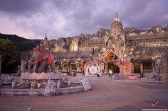 Phuket FantaSea - Number 1 Phuket Attraction Phuket FantaSea is unlike perhaps any other destination in the world,  offering visitors a whirlwind tour of Thai history, culture and cuisine. http://www.thailandholidayhomes.co.uk/phuket/attractions/phuket-fantasea.html