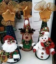 Posts about Christmas written by money. Christmas Sewing, Christmas Art, Christmas Projects, Christmas Ornaments, Christmas Figurines, Homemade Christmas, Xmas Crafts, Felt Crafts, Felt Christmas Decorations
