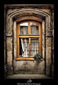 Hermosa ventana de madera