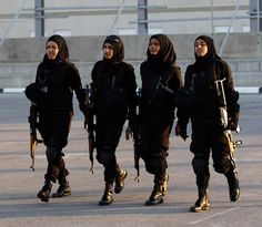 """footybedsheets: """" Members of the Palestinian security forces take part in a training session in the West Bank city of Jericho. (Reuters) This is such a boss pic. If I had a posse- we would look like. Muslim Girls, Muslim Women, Arab Girls, Fille Gangsta, Modele Hijab, Hijab Niqab, Hijab Outfit, Pakistan Army, Muslim Beauty"""