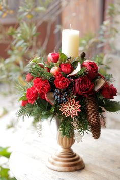 Candle Arrangements, Christmas Arrangements, Christmas Themes, Holiday Decor, Snow Scenes, Ikebana, Warm And Cozy, Candles, Table Decorations