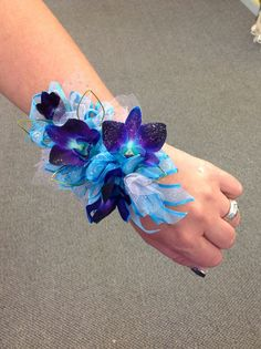 22 Breathtaking Blue Wedding Orchids For Your Wedding -Blue Orchid Wedding Inspirations Best tip ever! Blue Corsage, Bridesmaid Corsage, Corsage Wedding, Wrist Corsage, Homecoming Corsage, Bridesmaids, Blue Orchid Wedding, Purple Wedding Bouquets, Prom Flowers