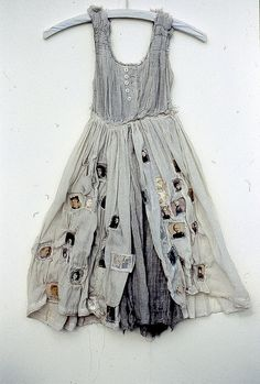 ℘ Paper Dress Prettiness ℘ art dress made of paper by Louise Richardson Looks Style, Style Me, Look Boho, Bohemian Mode, Looks Vintage, Boho Fashion, Fashion Design, Dress Fashion, Mode Style