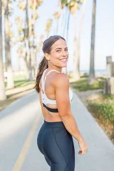 Nike fitness gear with Aisha Sams photographed in Santa Barbara, CA by Kristin Mansky of Modish Digital. Sport Photography, Fitness Photography, Lifestyle Photography, Beach Workouts, Outdoor Workouts, Nike Fitness, Fitness Gear, Crossfit, Lifestyle Sports