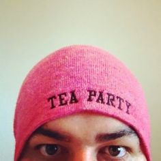 Daz Black - The Official Soundboard - Buy Software Apps British Youtubers, Best Youtubers, Lebron James Wallpapers, Software Apps, Black Memes, Tea Party Hats, Game Black, Mood Wallpaper, Phil Lester