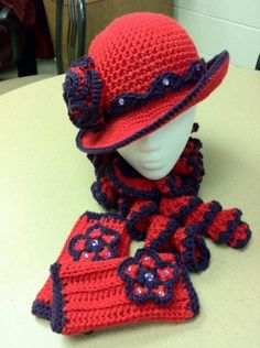 hat, curly scarf and fingerless gloves Crochet Woman, Crochet Baby, Red Purple, Red And Pink, Red Hat Club, Red Hat Ladies, Wearing Purple, Red Hat Society