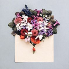 Kiev-based photographer Anna Remarchuk has created these poetic compositions tucking flowers inside of envelopes from her great-grandfather. Love Rose, Love Flowers, My Flower, Flower Art, Envelopes, Wallpaper Collection, Bloom And Wild, Floral Letters, Flower Invitation