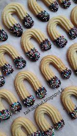 Tarun Taikakakut: Onnenkengät / Hevosenkengät Christmas Sweets, Party Snacks, Cookie Jars, No Bake Desserts, Mini Cupcakes, Cake Pops, Doughnut, Gingerbread, Biscuits