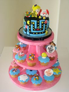 I love this cake! I may have to have it for my birthday next year! check out the 80's cakes @Angela Kilburg Moss