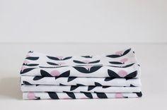 Set of 4 Cloth Table Napkins / Rose Pods on White by SUZUYA