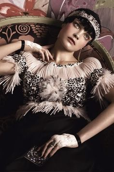 Hommage a Paul Poiret. Vogue, May Natalia Vodianova photographed by Steven Meisel. Styled by Hamish Bowles. Hommage a Paul Poiret. Vogue, May Natalia Vodianova photographed by Steven Meisel. Styled by Hamish Bowles. Great Gatsby Fashion, 20s Fashion, Art Deco Fashion, Trendy Fashion, Fashion Beauty, Vogue Fashion, Fashion Vintage, High Fashion, Paul Poiret