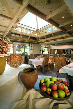 Ein stilvolles Ambiente zum Schlemmen & Genießen ... Apple, Fruit, Food, Meal, The Fruit, Essen, Hoods, Meals, Apples