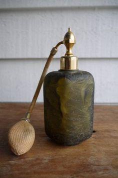フランスアンティークパフュームボトルガラス香水瓶ホーロー缶 インテリア 雑貨 家具 Antique enamel france ¥6300yen 〆05月11日