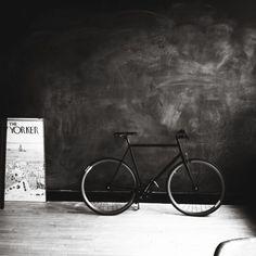 Source: movelikeajellyfish,via Modern Hepburn Fixed Gear Bicycle, Motorized Bicycle, Urban Cycling, Cycling Art, Modern Hepburn, Bike Design, My Ride, Bike Life, Art Photography