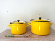 Vintage Enamelware Dutch Oven and Stock Pot in Yellow and Black