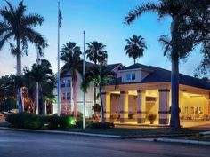 Fort Myers (FL) Homewood Suites by Hilton Fort Myers United States, North America Stop at Homewood Suites by Hilton Fort Myers to discover the wonders of Fort Myers (FL). The property features a wide range of facilities to make your stay a pleasant experience. Take advantage of the hotel's 24-hour front desk, facilities for disabled guests, express check-in/check-out, luggage storage, Wi-Fi in public areas. Guestrooms are fitted with all the amenities you need for a good night...
