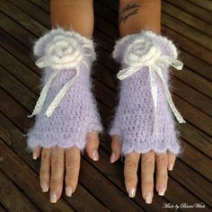 Crochet romantic fingerless mittens Made by BautaWitch