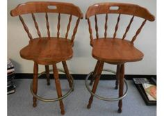 Solid Wood Vintage Swivel Bar Stool Honey Oak Color - Set of 2