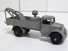 DINKY TOYS NO.30e BREAKDOWN TRUCK, GREY, WITH BLACK  HUBS