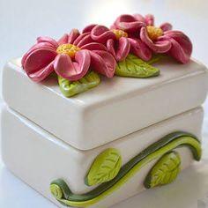 Flower Jewelry Box - Ceramic Box - Decorative Jewelry Box - Flower Decor - Ring Box - Jewelry Tray - Polymer Clay Flower from CraftyClayStudio on Etsy. Polymer Clay Flowers, Ceramic Flowers, Polymer Clay Jewelry, Small Jewelry Box, Jewelry Tray, Flower Jewelry, Slab Boxes, Pottery Handbuilding, Jars