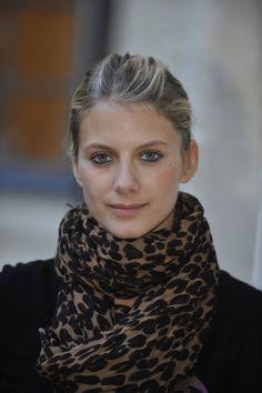 melanie laurent - 1) Quickly pulled back hair 2) Neutral scarf 3)Dark eye liner 4) Natural lip