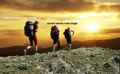 Sozinhos vamos mais rápidos. Juntos vamos mais longe. #hikking #sun #sunlovers #montanhismo #escalada #aventura #sunthrice