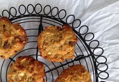 Flourless choc chunk peanut butter cookies - Real Recipes from Mums