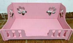 Cama em MDF de 6mm para cães e gatos Com pintura atóxica Nas cores: rosa (fotos) e azul
