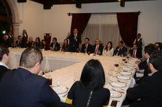 El gobernador de Michoacán se reunió con integrantes de la Cámara de la Industria de la Radio y la Televisión, a quienes también externó su deseo de fortalecer no sólo ...