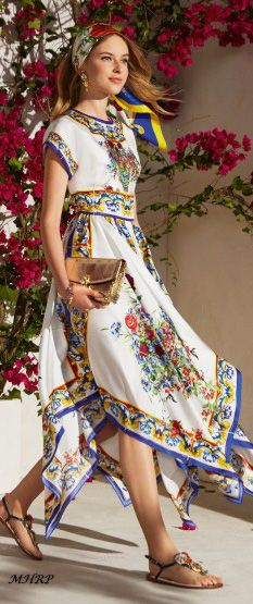 dolce-and-gabbana-winter-2018-woman- caltagirone collection