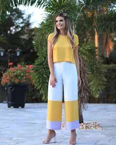 Conjunto tricolor !!! #look #lançamento #fashion #tendencia2019 #verao2019 #novidades #moda #conjunto #melovemodas Classy Outfits, Chic Outfits, Fashion Outfits, Business Outfits, Business Fashion, Yellow Pencil Skirt Outfit, Diy Tulle Skirt, Funky Pants, Couture Trends