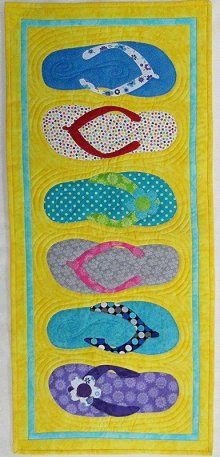 Table Please Flip Flop Table Runner Kit Table Runner Pattern, Table Runner And Placemats, Quilted Table Runners, Skinny Quilts, Summer Quilts, Beach Quilt, Place Mats Quilted, Bed Runner, Quilted Table Toppers