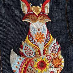 Rennes2Couture sur Instagram: Mon petit sac pour l'automne 😉😊 #sacôtin #sacotin #ateliertuffery #couturejeans #coutureaddict #jecoudsdoncjesuis #couture #broderiemachine…