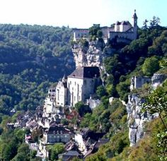 Rocamadour, with chapel cluster at mid-level