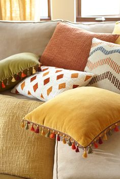It's said that genius is in the details, and in the case of Pier Malton pillows, we're completely comfortable with that statement. Plush cotton velvet covers the front, while a m… Cute Cushions, Diy Pillows, Decorative Pillows, Decorative Items, Cushion Cover Pattern, Cushion Cover Designs, Diy Pillow Covers, Home Room Design, Velvet Cushions