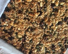 Energy flapjacks perfect for cyclists - Recipes from a Normal Mum Healthy Flapjack, Flapjack Recipe, New Recipes, Cooking Recipes, Yummy Recipes, Protein Bar Recipes, Protein Bars, Healthy Snacks