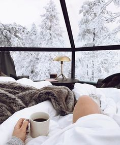 Finland's Luxury Igloos Allow You To Sleep And Stargaze Under The Northern Lig… - winter decor Beautiful World, Beautiful Places, Christmas Mood, Hygge Christmas, Natural Christmas, Gold Christmas, Simple Christmas, Christmas Aesthetic, Winter Time
