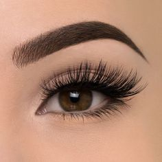 Natural Eyelash Growth