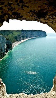 Etretat White Cliffs, Normandie, France (by saigneurdeguerre on Flickr)
