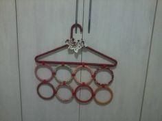 Cabide revestido porta echarpes, lenços, cintos....... R$ 25,00
